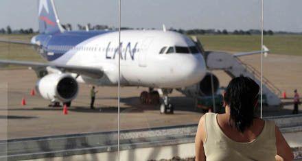 Por decisión judicial, LAN seguirá volando desde Rosario a Lima por 30 días más