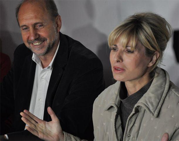 Perotti junto a Karina Rabolini durante la visita a la casa de la Fundación Nazareth.