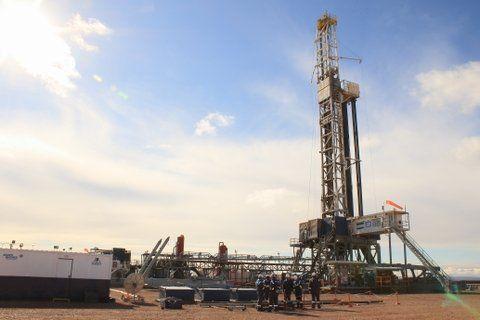 Los trabajadores petroleros lograron una recomposición salarial del 35%