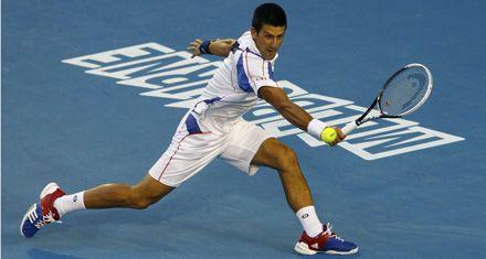Djokovic derrotó a Federer en una espectacular semifinal en Australia