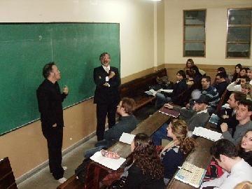 Tartu reventó el aula 59 de la Facultad de Derecho de la UBA