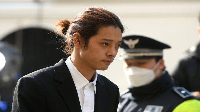 Acusado. La joven estrella pop Jung Joon Young se llamó a silencio.