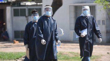 Corrientes y Santa Fe, los distritos con más casos diarios de coronavirus en Argentina