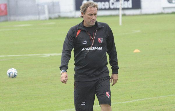 Chance abierta. Ricardo Lunari no desentonó en los siete partidos que estuvo al frente de la primera rojinegra en el cierre del torneo Final.