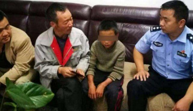 Un chico se fue de la casa porque los padres le pegaban y sobrevivió 24 días comiendo víboras