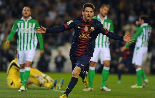 Una saludable costumbre. Lionel Messi celebra ante Betis para sumar un nuevo récord.
