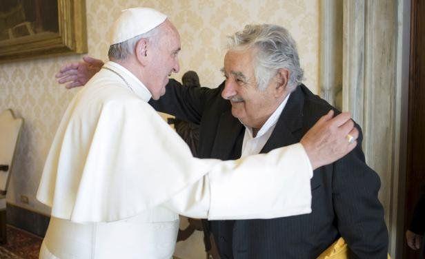 Simpatía. Francisco y Mujica