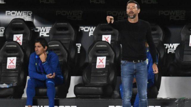 Entrenador. El Kily González no logra plasmar un equipo sólido en cancha.
