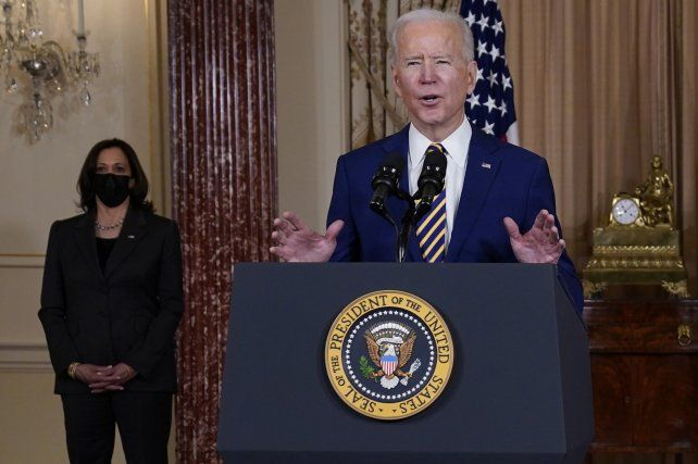 Biden dio en el Departamento de Estado su primer discurso oficial sobre política exterior. Y Putin recibió una dosis de advertencias.