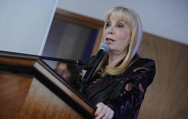 Salud: el gobierno advierte que no aceptará que se cobren copagos