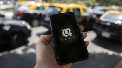 Uber vuelve a desafiar las resoluciones de la Municipalidad y asegura que seguirá trabajando.