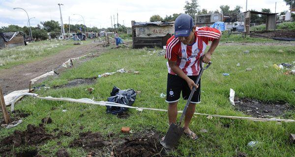 Vuelven a ocupar un predio en el sudoeste de Rosario mientras UPCN amenaza con un paro