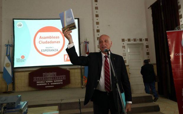 El gobernador Antonio Bonfatti abrió hoy una nueva Asamblea Ciudadana en la ciudad de Esperanza.