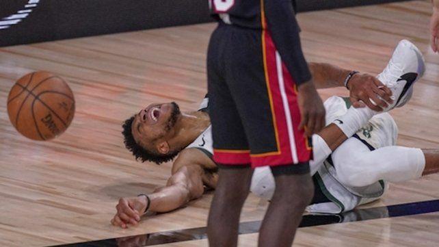 Antetokounmpo sufre una nueva lesión en su tobillo derecho.