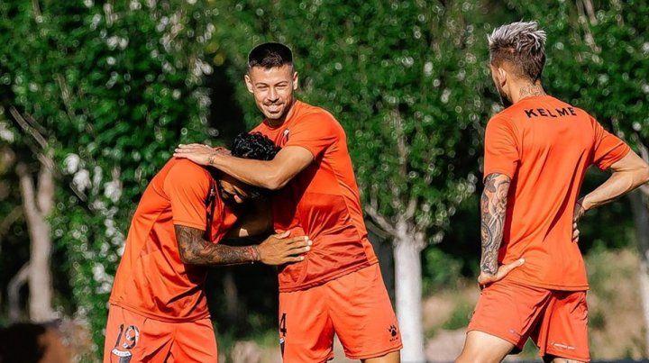 Federico Lértora es duda para jugar ante Boca. Por su parte, Gonzalo Piovi estaría en el banco de Colón.