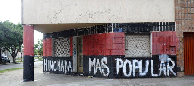Elm plan de repintado de paredes y mobiliario comenzó en la zona sur de Rosario.