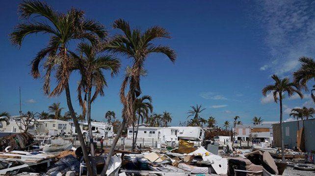 El huracán María dejó una amplia devastación a su paso por Dominica y va hacia Puerto Rico