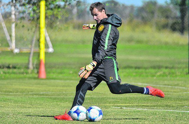 En problemas. Diego Rodríguez espera cobrar la deuda con el Rojo. En Central se mantienen al margen.