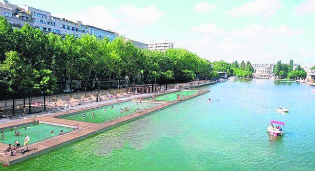 Inauguraron una piscina en un canal de la ciudad