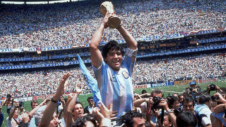 La camiseta con la que la selección argentina ganó el Mundial de México 86. En este ránking de diseño ocupa el lugar número 19.