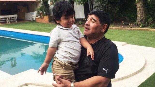 Maradona ya tiene preparado el regalo para el próximo cumpleaños de Dieguito Fernando.