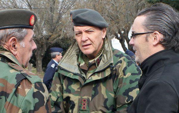Pecado capital. Cuestionan a Milani (al centro) por su patrimonio. El militar dijo que la mayor parte es herencia de su padre.