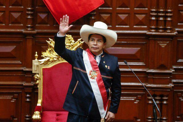 Castillo asumió este miércoles la presidencia de la nación andina.