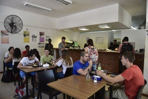 Los comedores universitarios reabren sus puertas hoy.