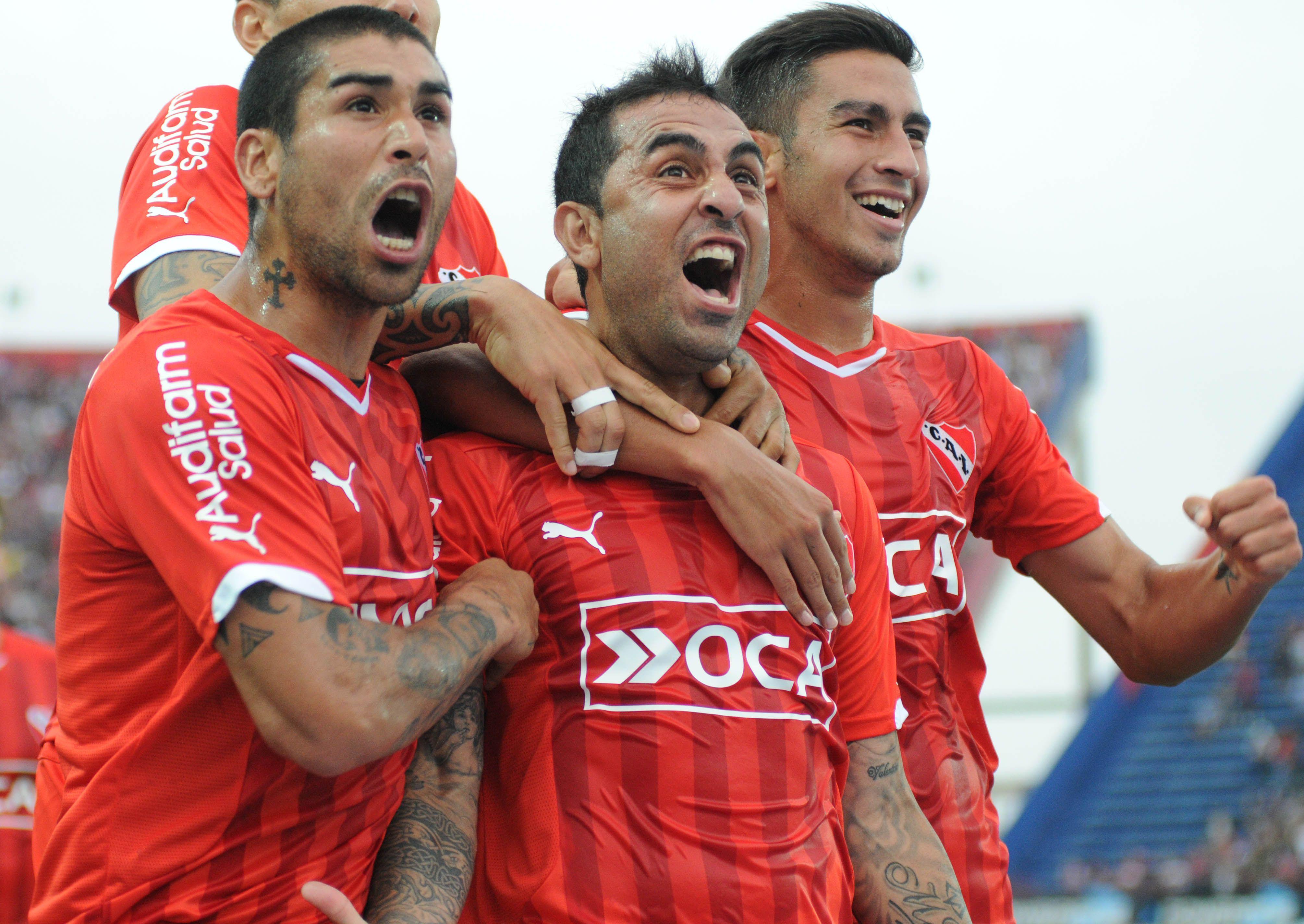El Rolfi Montenegro grita el golazo que abrió el camino para el triunfo de Independiente en el Nuevo Gasómetro.