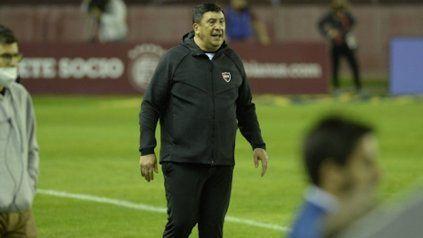 El Mono lo hizo. Burgos logró la primera victoria de Newell's en el torneo y en el año.