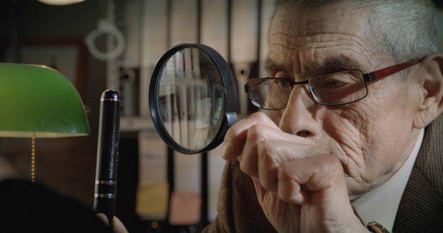 Sergio Chamy brilla como un infiltrado en un geriátrico con la misión de comprobar el trato a los ancianos.