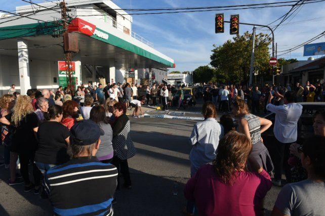 Marcha de taxistas por el chofer asesinado esta madrugada en barrio Ludueña