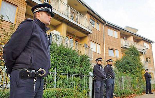 La casa del horror. La policía hace peritajes en el barrio de Lambeth.