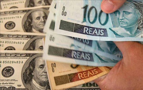 La Afip flexibiliza la compra de moneda extranjera para los viajantes.