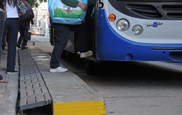 Objetivos. Las plataformas ofrecen mejoras tanto para los peatones como para los usuarios de ómnibus.