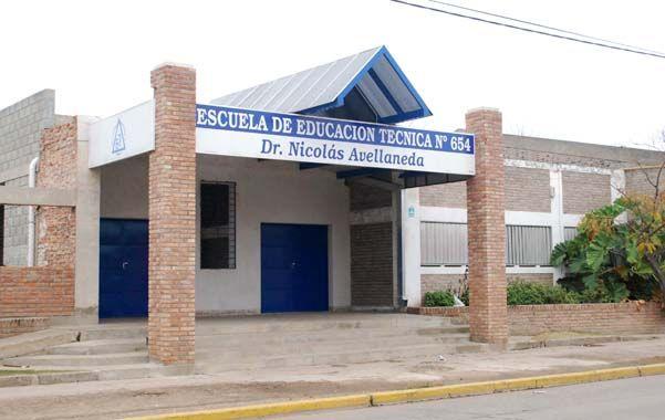 La escuela. Tres alumnos de la escuela Avellaneda fueron demorados.