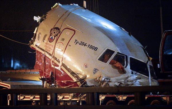 Parte de la cabina del avión estrellado en Rusia.