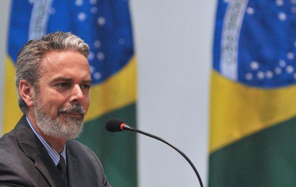 """El canciller brasileño Antonio Patriota exigió """"aclaraciones"""" a Estados Unidos"""