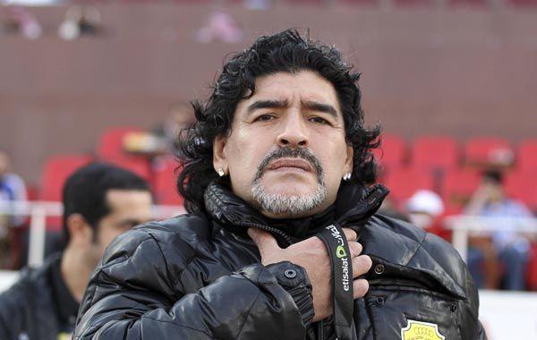 Maradona saludó a Ham, defendió a Tevez y le apuntó a Gorosito