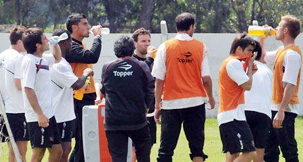 Newells prepara un esquema más ofensivo mientras Cagna espera a los lesionados