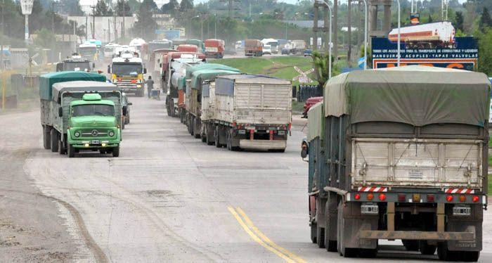 Advierten que sin un buen control de cargas las rutas no durarán