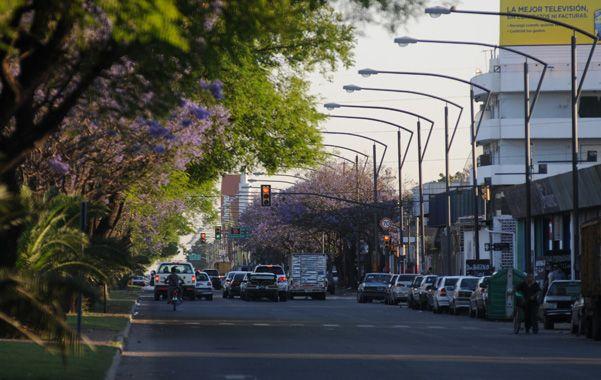 Zona complicada. En Oroño y Lamadrid se repiten corridas ilegales que ponen en riesgo la vía pública.