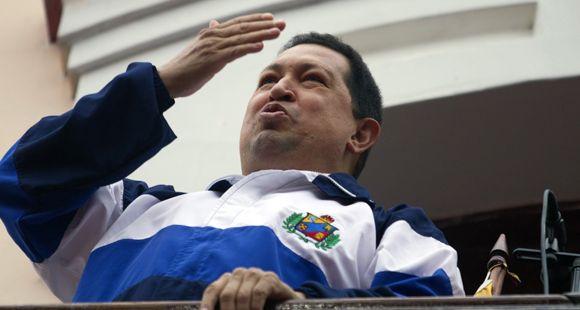 Reapareció Chávez y desmintió rumores sobre su salud