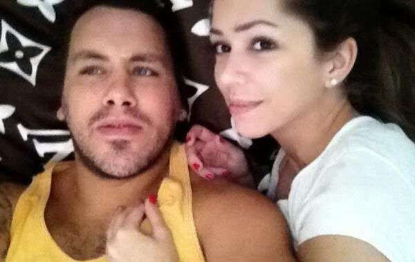 El ogro a su novia la periodista Gimena Vascon.