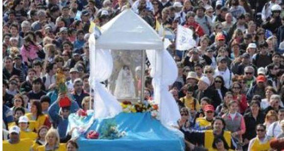 Una multitud participó del cumpleaños 28 de la Virgen del Rosario en el campito de San Nicolás