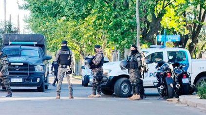 Video: el momento en el que la Policía logra ingresar a la casa de Caseros donde había un rehén