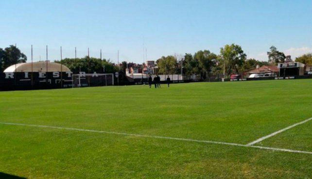 El club de Nueva Pompeya permitió el entrenamiento de un grupo de jugadores del plantel superior.