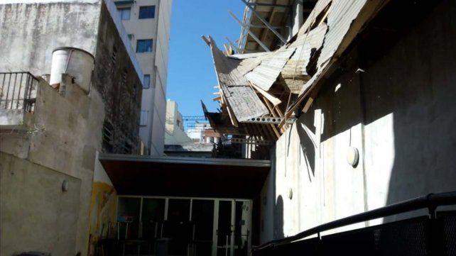 La caída de los obreros se produjo en una obra en construcción ubicada en Balcarce al 1200.