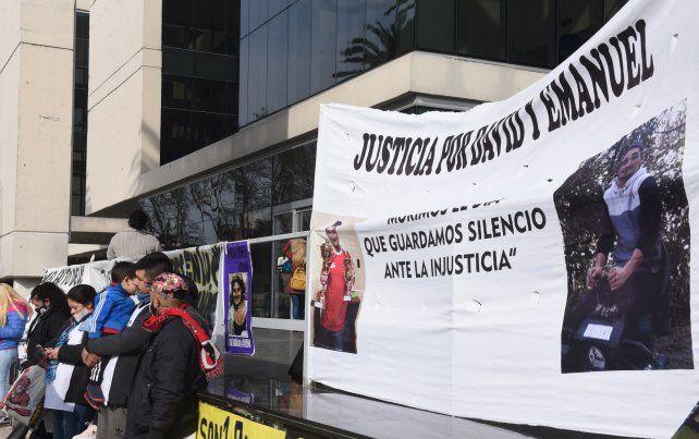 Las familias de David Campos y Emanuel Medina plantearon desde el principio que fueron víctimas de gatillo fácil.