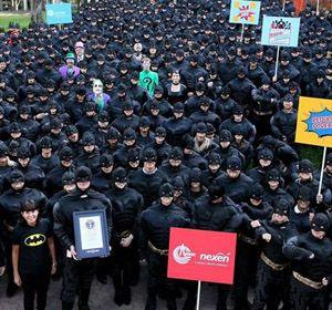 Más de medio millar de personas se visten de Batman para entrar en libro de récords Guinness